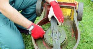 Rasenmäher reinigen