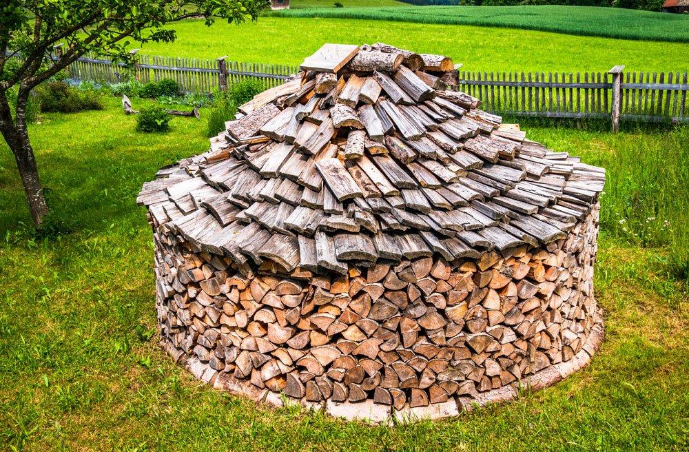 Brennholz Rundstapel
