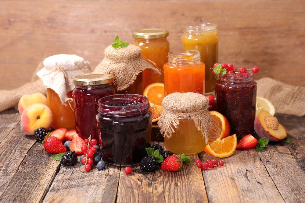 Obst konservieren durch Marmelade kochen