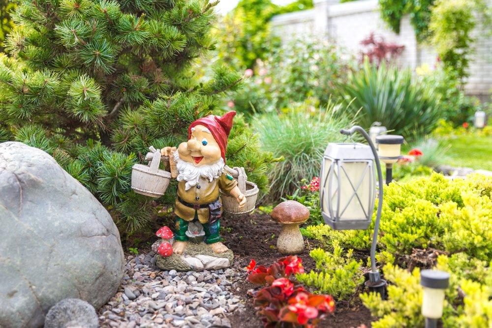 Gartenzwerge reinigen – So wird's gemacht