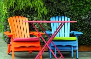 Gartenmöbel aus Holz lackieren