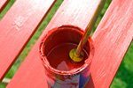 Holzgartenmöbel lackieren