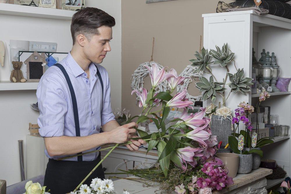 Blumenstrauß binden: Anleitung
