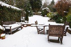 balkon und terrasse winterfest machen jetzt vor frost. Black Bedroom Furniture Sets. Home Design Ideas