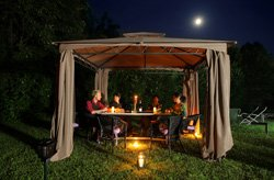 perfektes licht f r die gartenparty 5 beleuchtungstipps. Black Bedroom Furniture Sets. Home Design Ideas