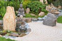 Steine/Felsen/Findlinge im Garten integrieren