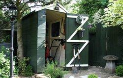 Ein Gartengerätehaus ist sehr praktisch