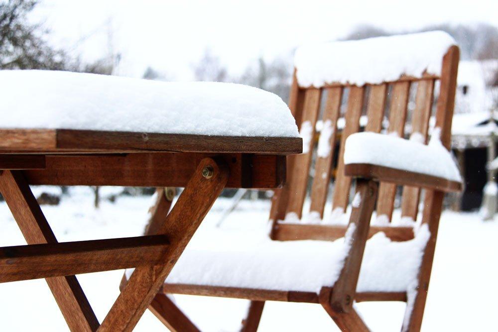 Gartenmöbel winterfest machen