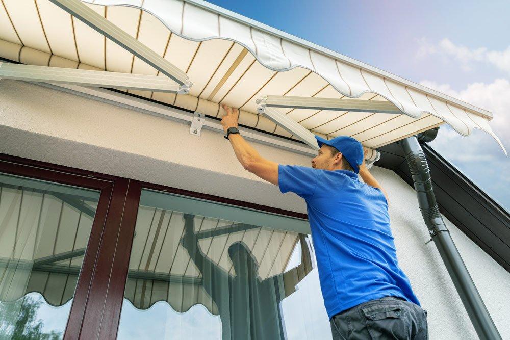 Gelenkarm-Markise am Balkon anbringen – Schritt für Schritt Anleitung