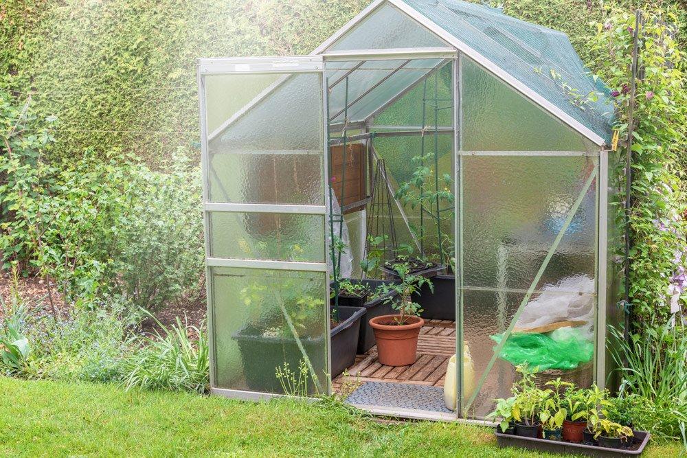 Gewächshaus im Garten integrieren