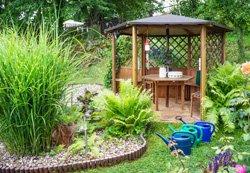Gartenpavillon aus Holz oder Metall? - Alle Vor- und Nachteile