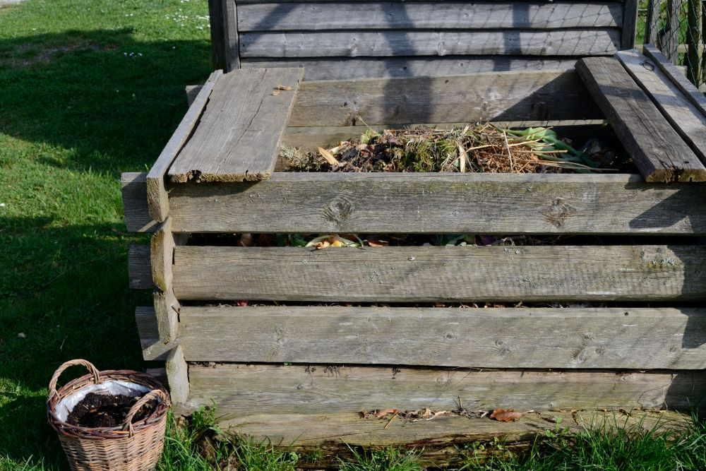 Komposter aus Holz bauen