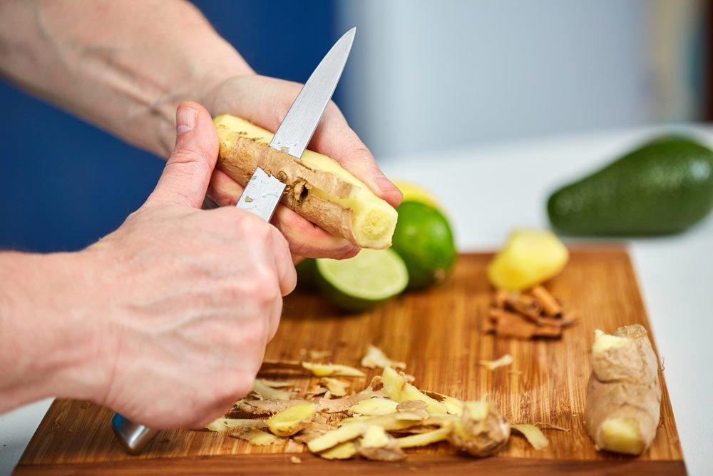 Ingwer schälen mit dem Messer