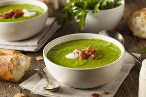 Mangold ist sehr gesund - auch als Suppe