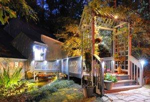 Beleuchtung im Garten mit Strahlern
