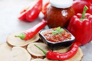 Paprika-Chutneys schmecken würzig und oft auch etwas süßlich