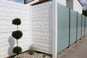 Sicht- und Sonnenschutz aus Glas