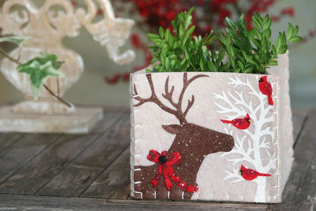 Dekorativer Blumentopf-Überzug für die Adventszeit