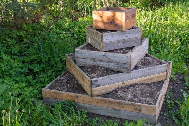15 ideen hochbeet aus holz stein oder metall for Gartendeko aus stein und metall