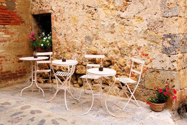 mediterrane terrasse gestalten mittelmeerflair in nur 4. Black Bedroom Furniture Sets. Home Design Ideas