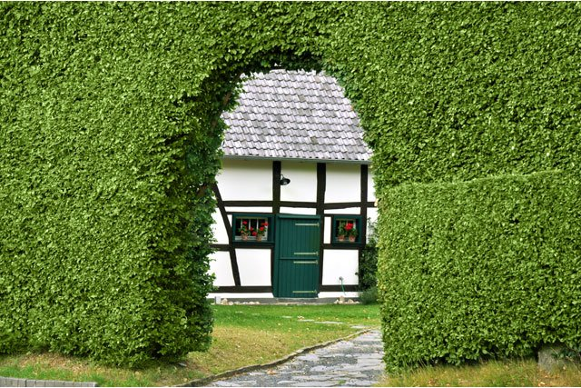 Wohnzimmer und Kamin gartenhäuser aus metall : Gartenzaun Ideen: 22 inspirierende Ideen aus Holz, Metall ...