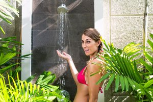 Gute Alternative zum Pool: die Gartendusche