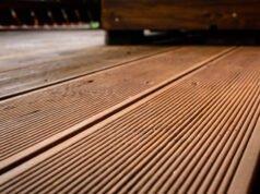 Terrassendielen aus Lärche reinigen und pflegen