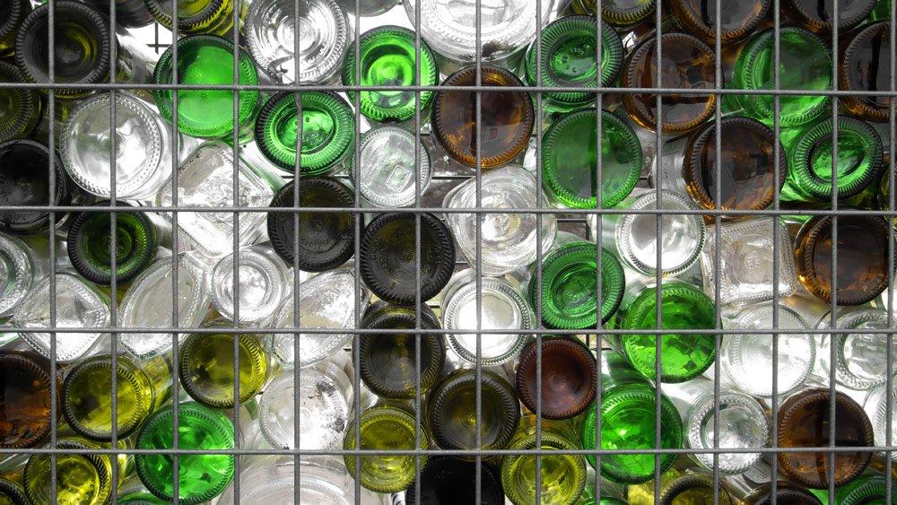 Gabieonenzaun aus Flaschen