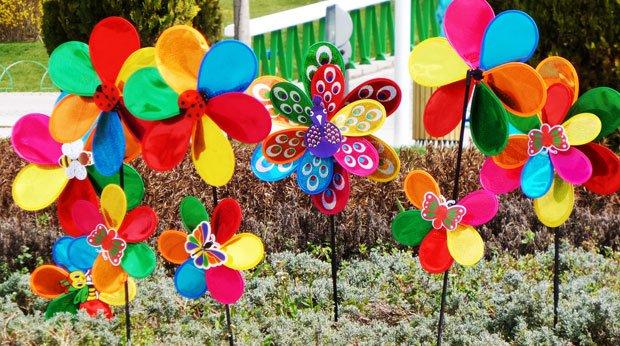 Garten herbstlich gestalten - Windräder aufstellen