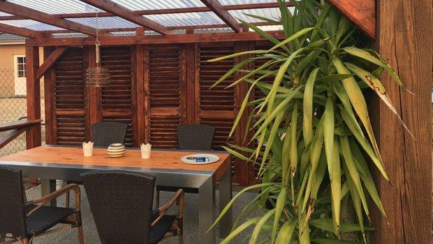 sichtschutz f r terrassen 5 stilvolle m glichkeiten. Black Bedroom Furniture Sets. Home Design Ideas