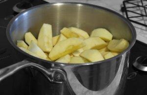 Äpfel dünsten