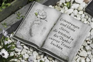Grabdekoration Buch