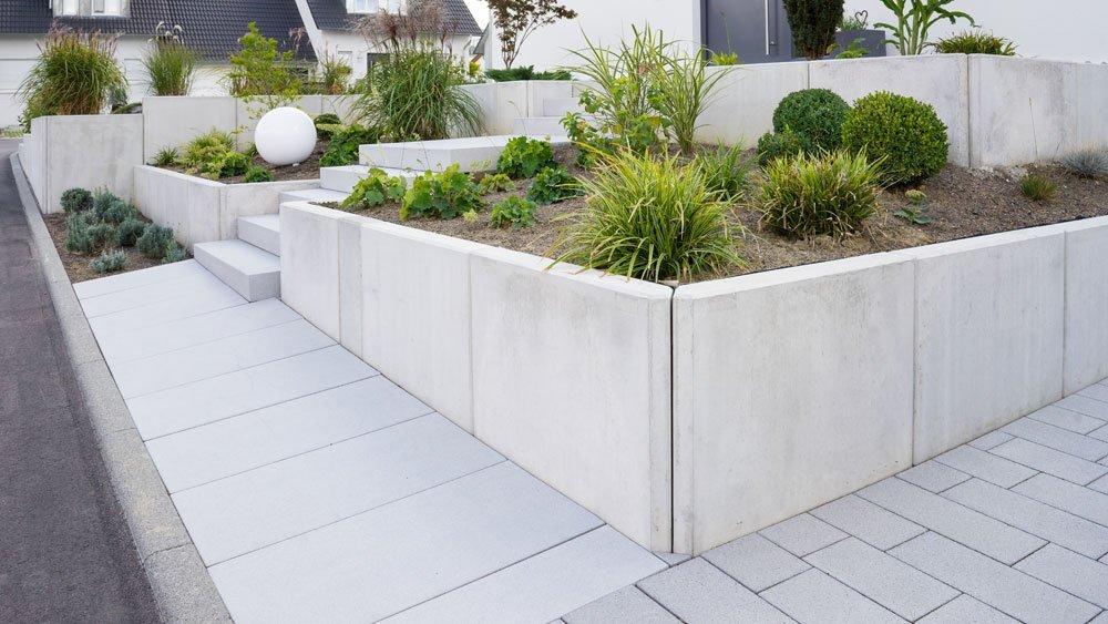 Terrasse puristisch gestalten – So richten Sie moderne Eleganz ein