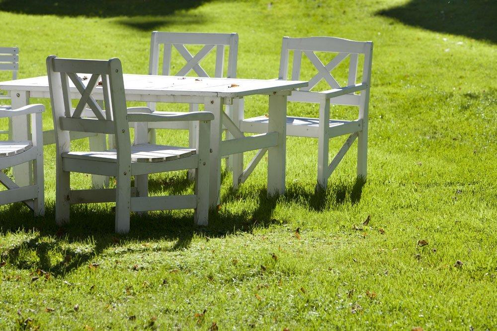 Garten skandinavisch einrichten - Gartenmöbel