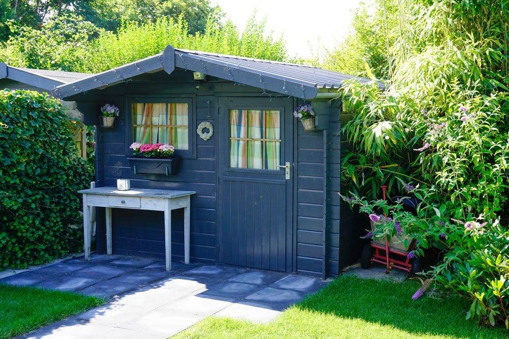 mehr stauraum im gartenhaus schaffen ideen f r mehr platz und wohnqualit t. Black Bedroom Furniture Sets. Home Design Ideas