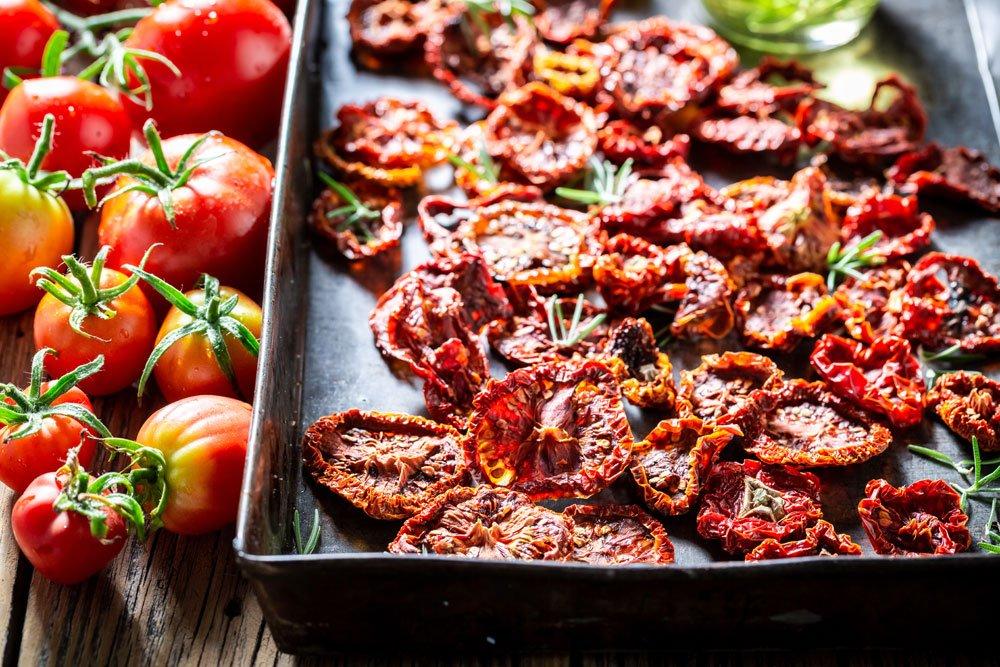 Tomaten im Backofen trocknen