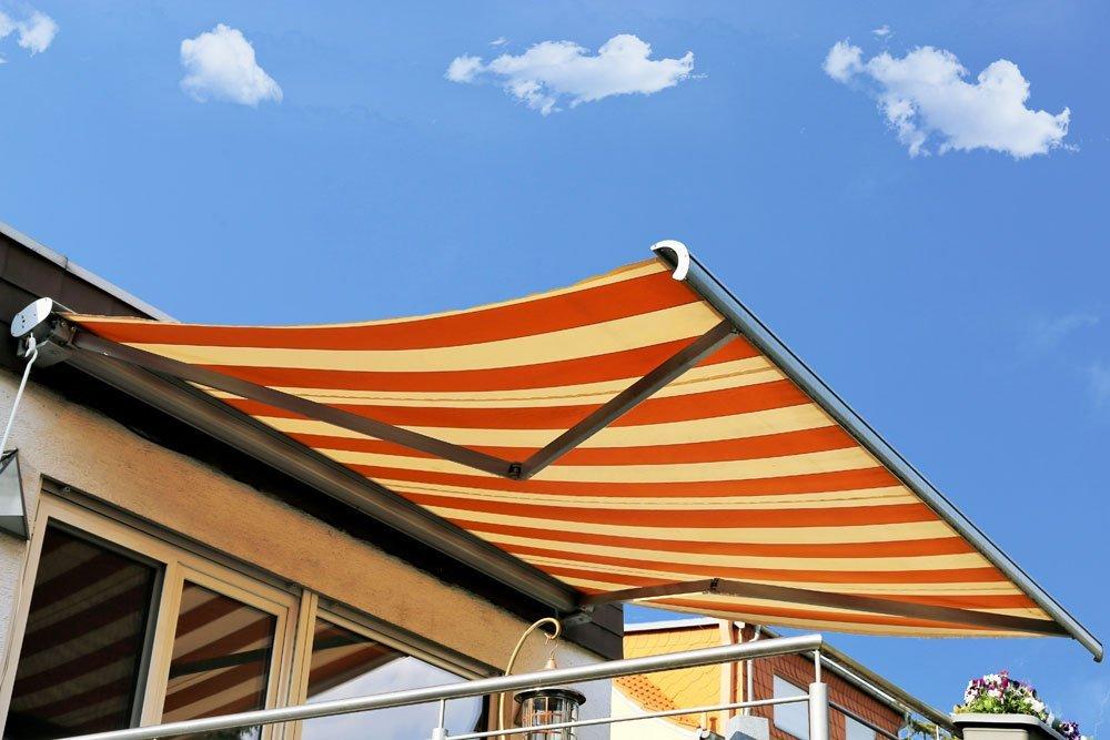 Markise als Sonnenschutz für Dachterrasse