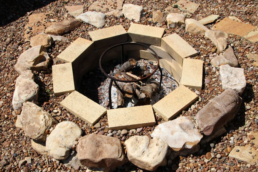 Häufig Feuerstelle aus Pflastersteinen bauen – 3 Varianten vorgestellt QF74
