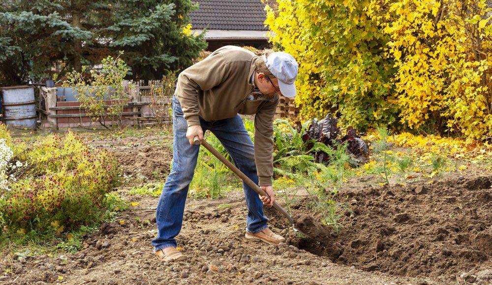Lehmboden umgraben