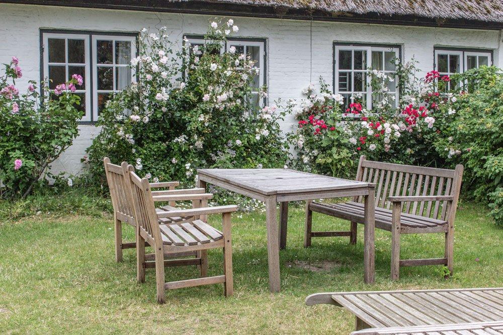 Gartenbank mit Kaffeetisch bauen