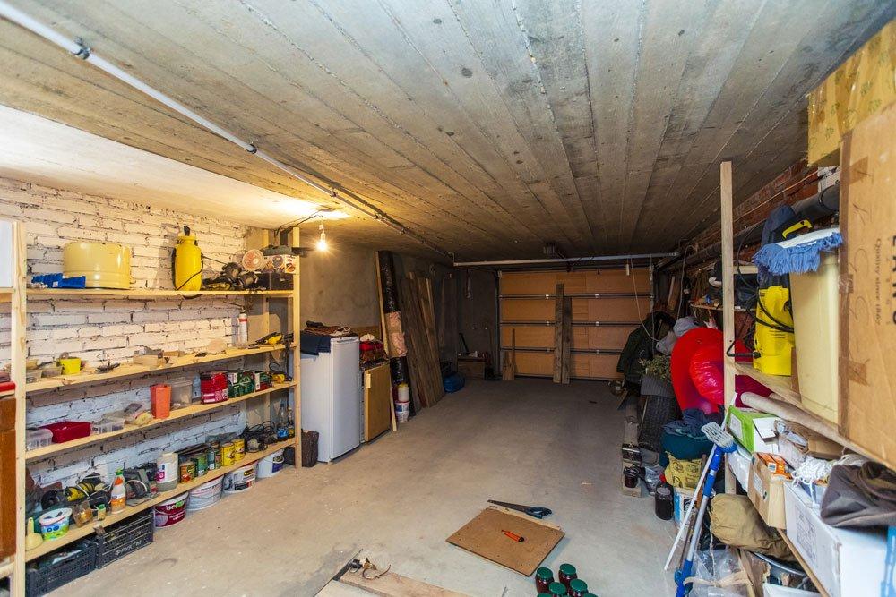 Gartengeräte Garage