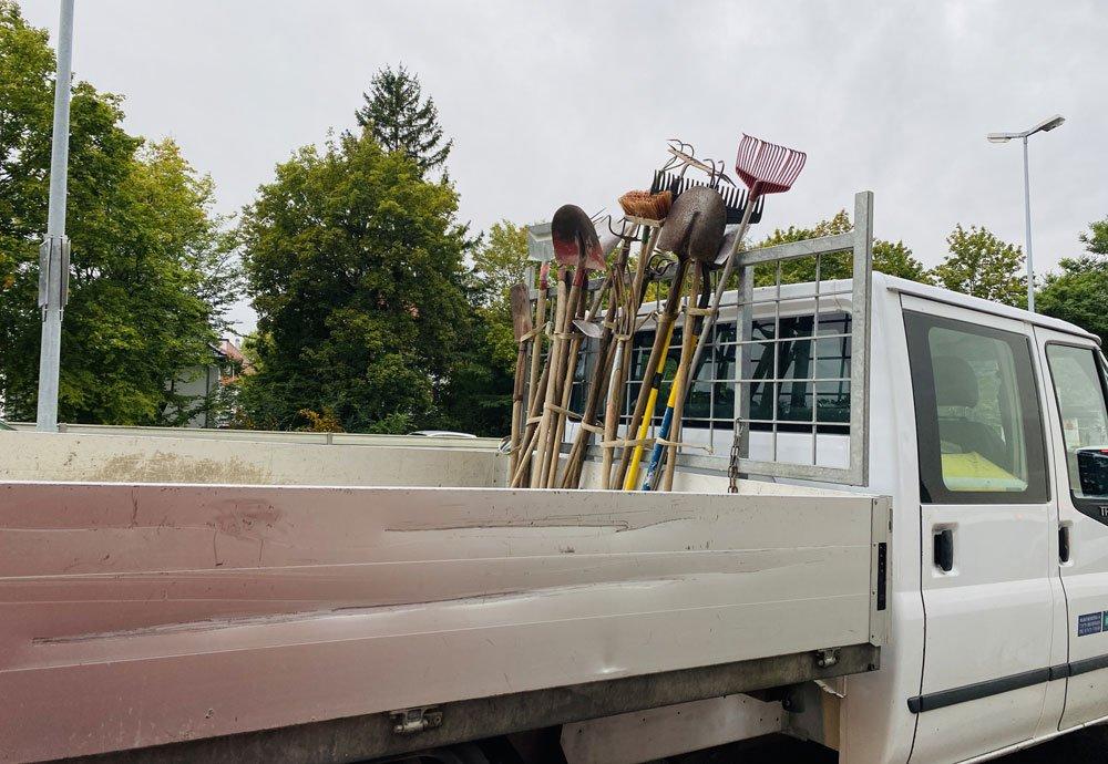 Transporter mit Werkzeug