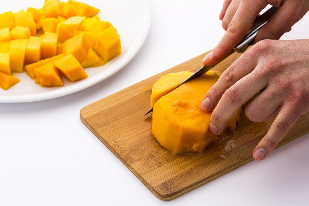 Mango entkernen mit dem Messer